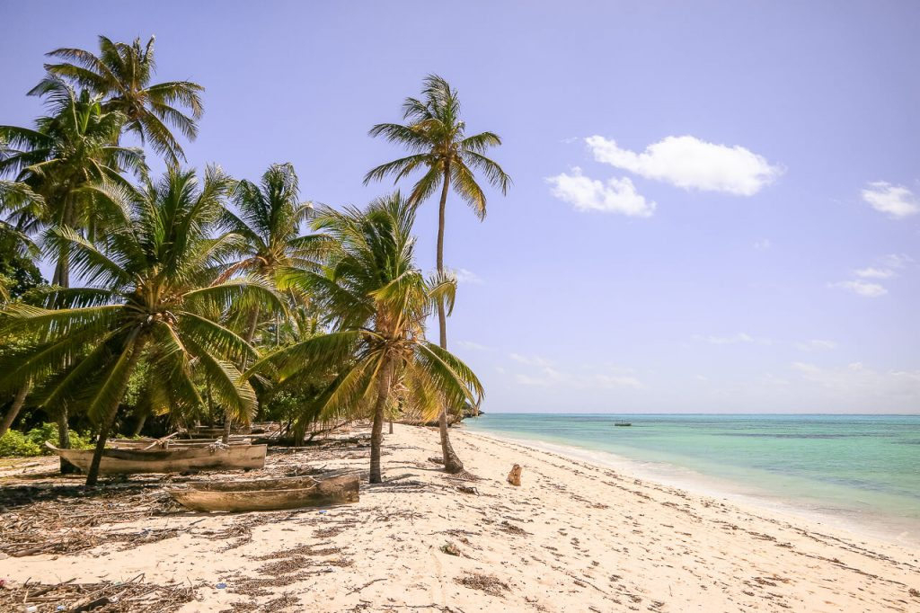 Zanzibar travel guide remote tropical beach